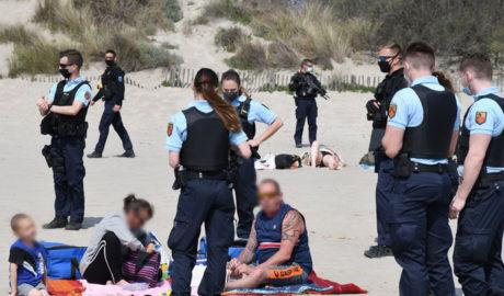 浜辺で飲酒して多額の罰金