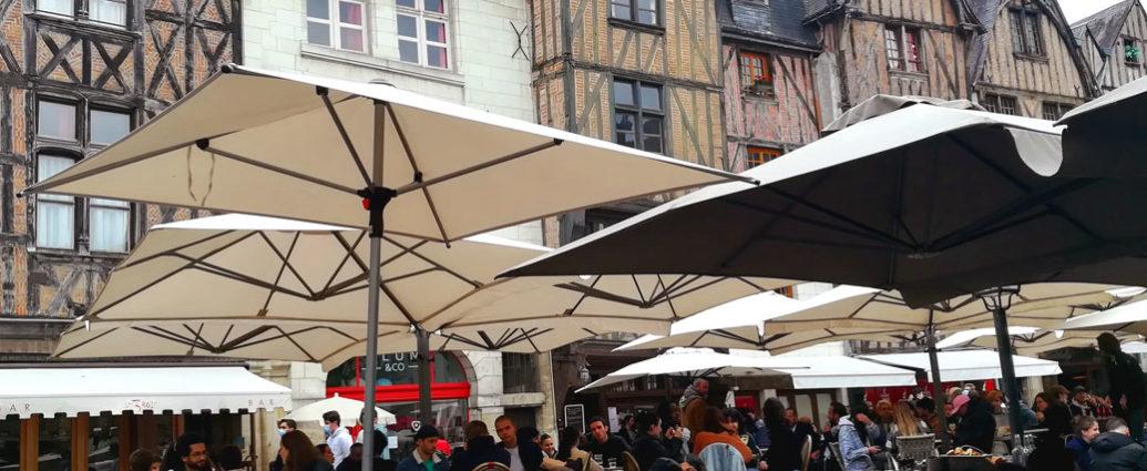 トゥールのプリュモロー広場